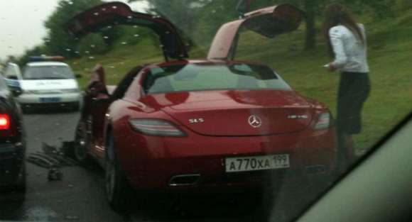 mercedes sls amg crash russia 001  glo