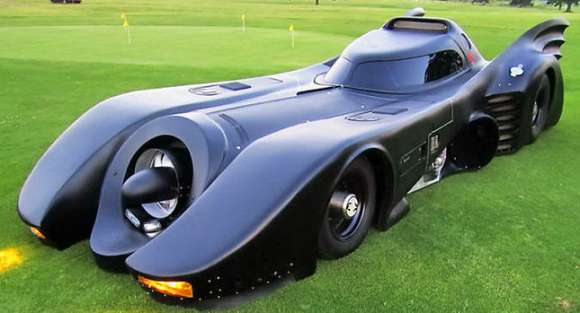 batmobile replica 01 glo