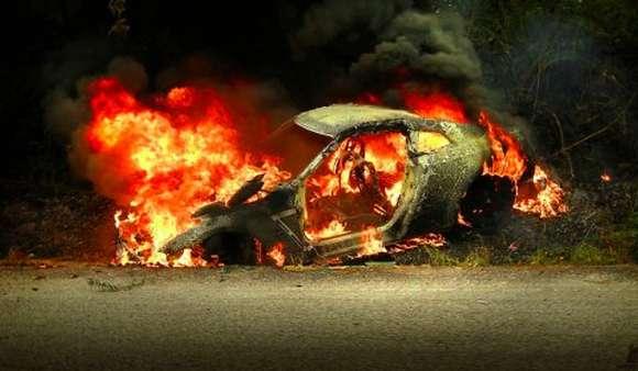 car crash nissan r35 gtr burns down in malaysia glo
