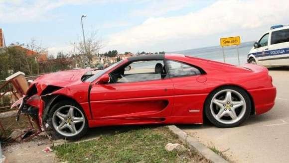 car crash ferrari 355 gts crashed in croatia 003 glo