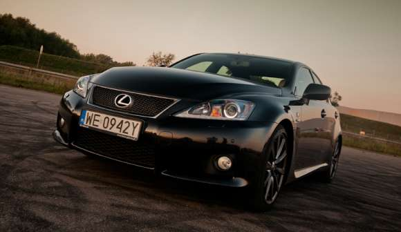 Lexus IS-F 5,0 V8 423 KM test