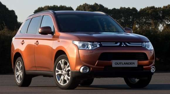 2012 nowy mitsubishi outlander first glo
