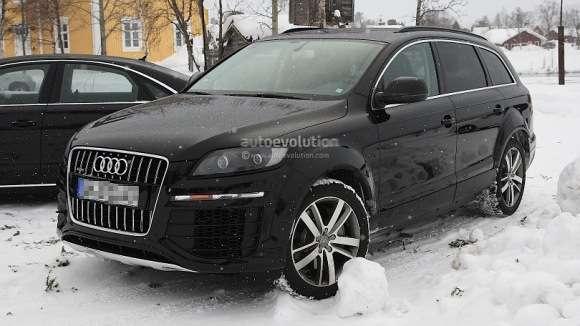 2013 Audi Q7 drugiej generacji – muł przyłapany podczas zimowych