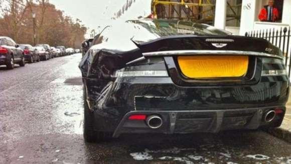 aston martin dbs parkowanie wypadek glo