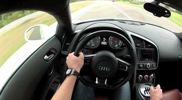 Audi R8 szybka jazda kierownica