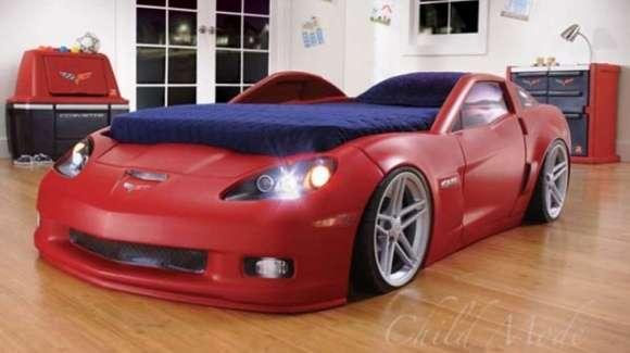 Łóżko wykonane na bazie Corvette Z06
