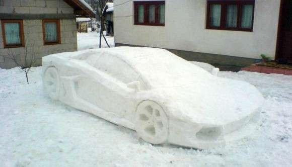 Lamborghini Aventador snow ze śniegu
