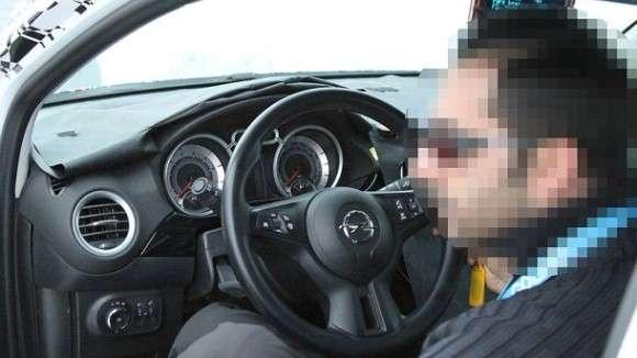 Opel Allegra zdjęcia szpiegowskie