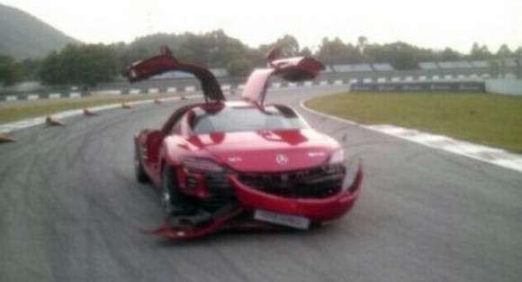 Mercedes SLS AMG wypadek