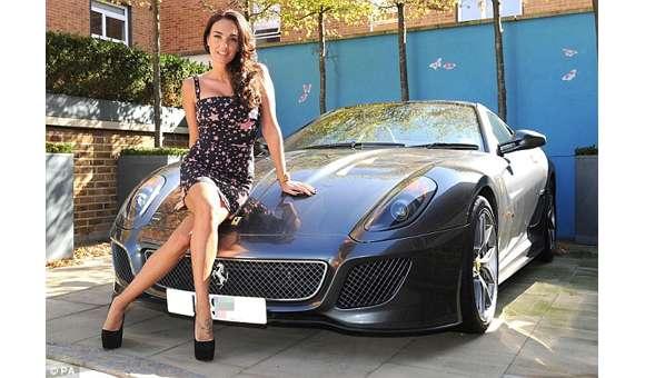 Tamara Ecclestone przy Ferrari 599 GTO