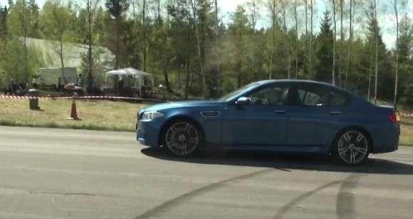 BMW M5 vs Porsche Panamera Turbo S