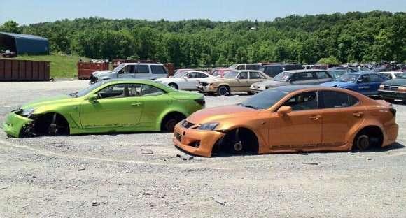 Fox Marketing zniszczył Lexusa ISC i IS-F