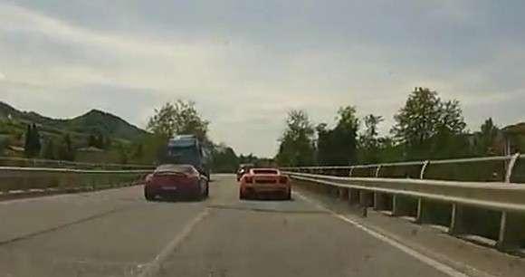 Mercedes SLS AMG i niebezpieczne wyprzedzanie