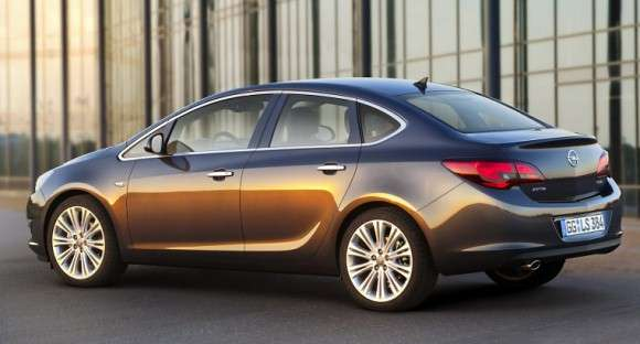 Nowy Opel Astra Sedan