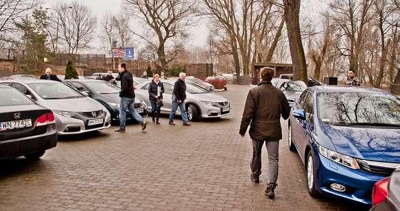 Honda Civic parking