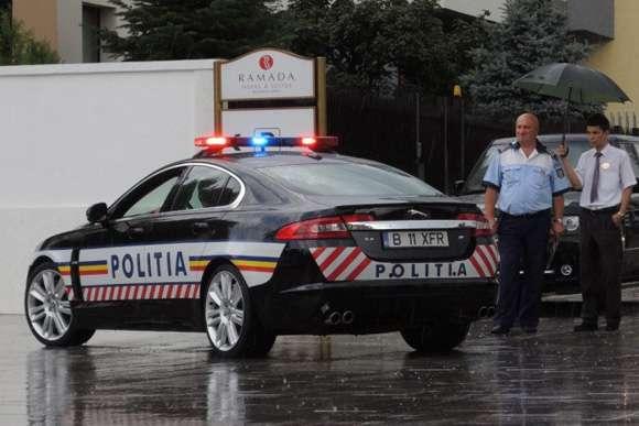 Policyjny Jaguar XFR