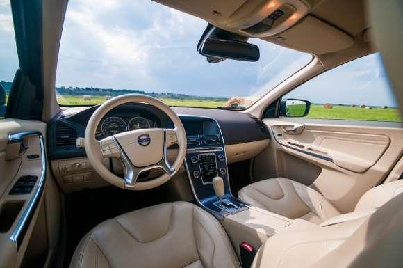 Volvo XC60 wnętrze
