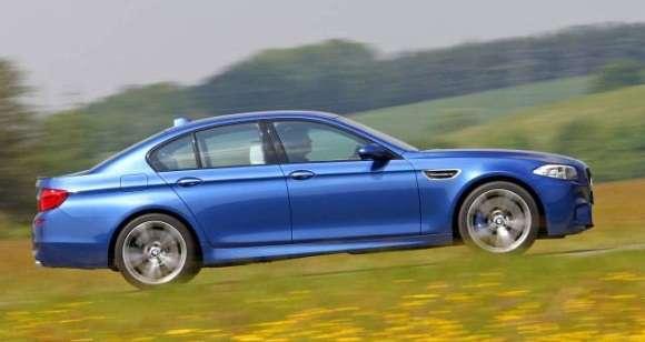 BMW M5 F10 prawy bok