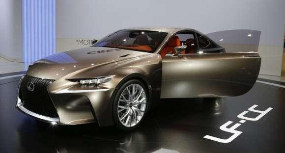 Lexus LF-CC na żywo