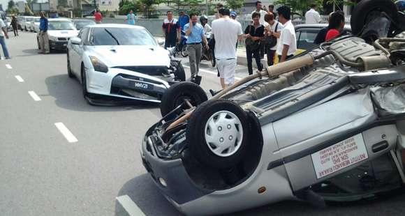 Wypadek Nissan GT-R