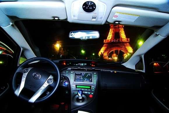 Toyota Prius wnętrze