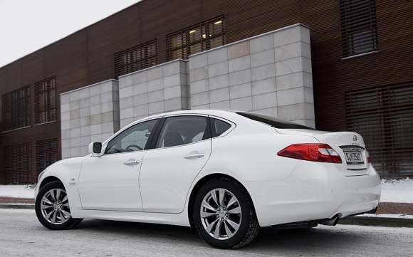 Infiniti M35h GT Premium tył / rear