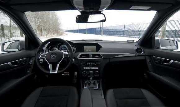 Nowy Mercedes klasy C wnętrze
