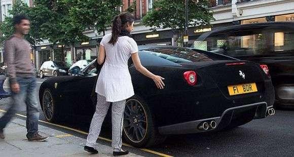 Ferrari 599 aksamit