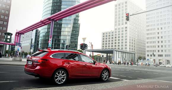 Nowa Mazda6 tył